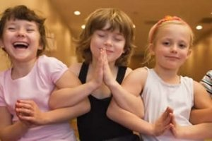 3-girls-hold-arms-yoga-training
